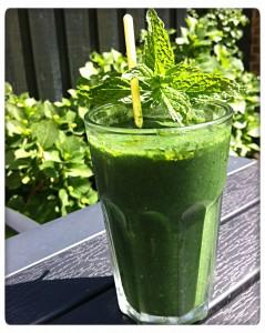 Frugtbar grøn smoothie